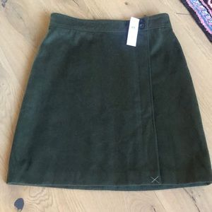 NWT Ann Taylor Green skirt Size 10